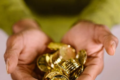 3 Reasons Why You Should Invest in Gold IRA