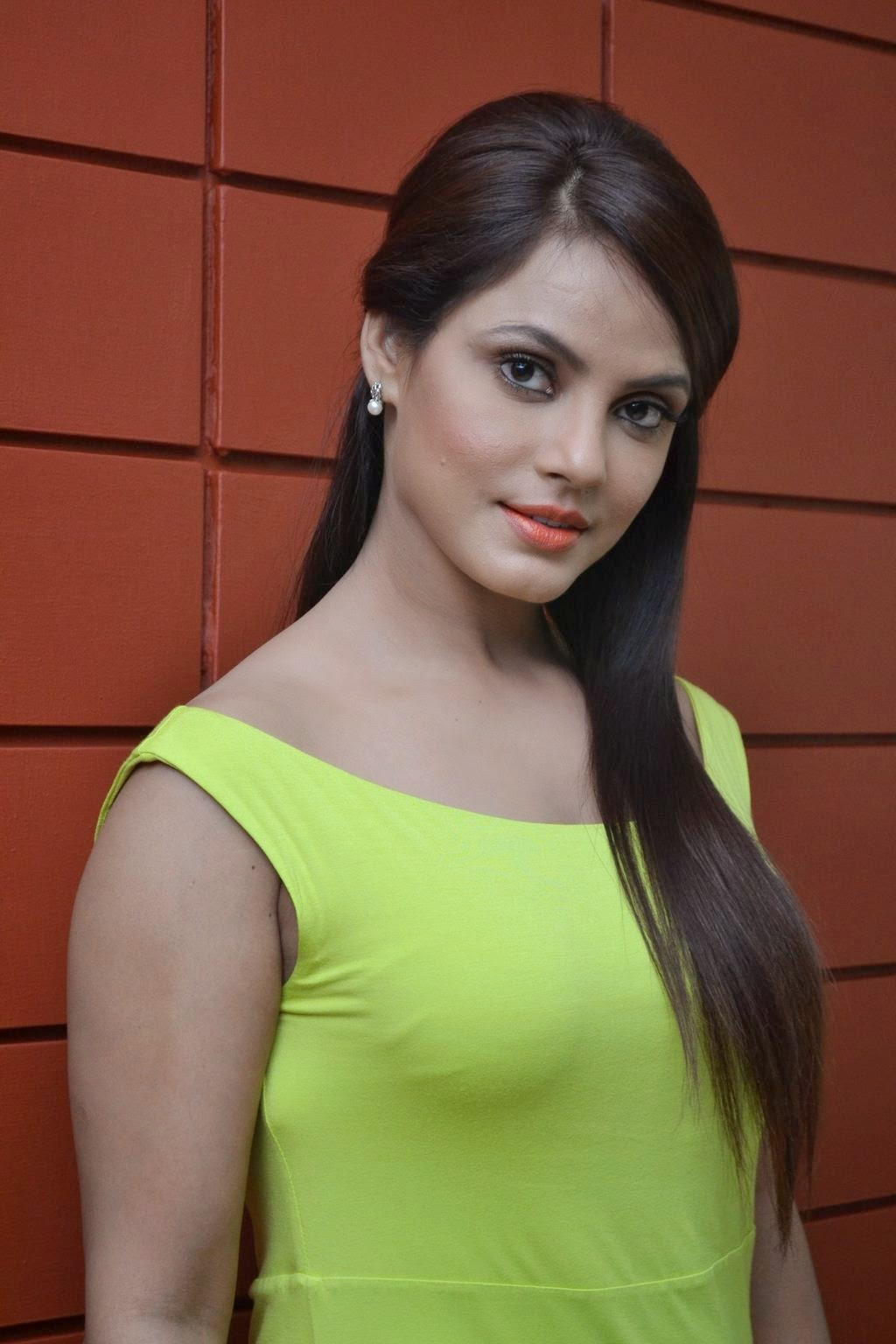 Neetu Chandra Nude Photos 39
