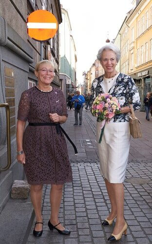 Danish Princess Benedikte presented the Alzheimerforeningen Researcher Award to Asmus Vogel and  Kristine Freude