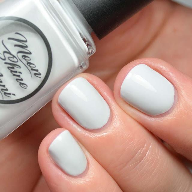 light grey nail polish swatch