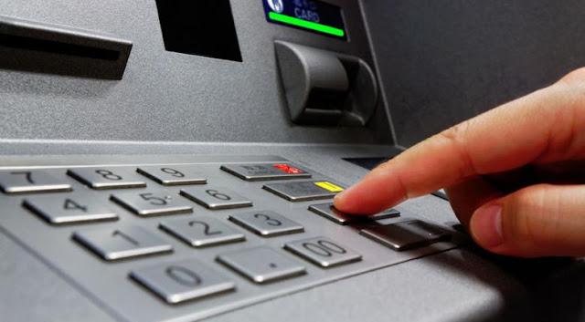 Έρχεται το τέλος των καρτών στα ΑΤΜ -Πώς θα γίνονται αναλήψεις