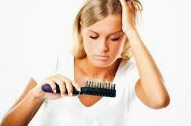5 Bahan Alami Atasi Rambut Rontok