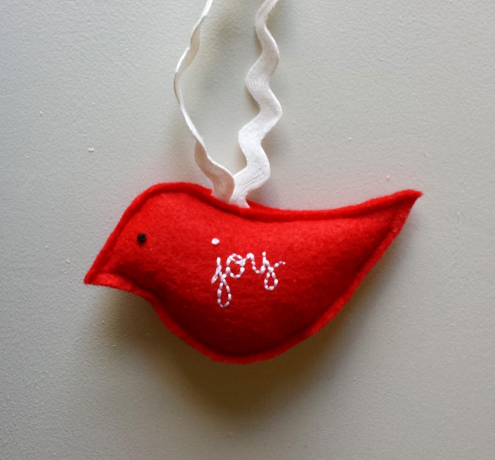Simples bordou o pássaro vermelho de feltro, o ornamento do Natal ou o chapéu de coco do presente, personalizado e original, por refabulous