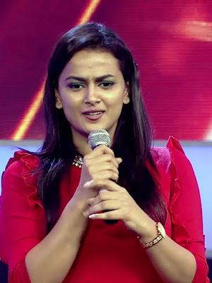 Actress Shraddha Srinath At JFW Golden Divas Photos HD