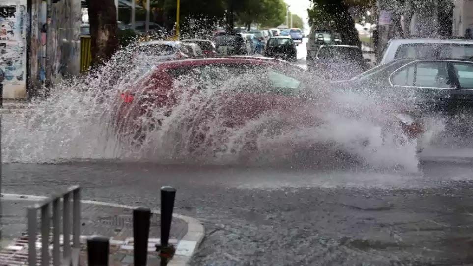 Το καλοκαίρι μας… ξέχασε: 62 τόνοι νερού έπεσαν ανά στρέμμα στην Αττική – Η πρόγνωση του Αρνιακού για τις επόμενες μέρες (βίντεο)
