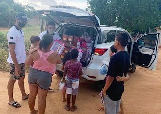 Chapada Iphone realiza entrega de brinquedos em Livramento