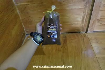 bubuk kopi yang dapat dibeli di pondok kopi Baderan, Argopuro, Situbondo