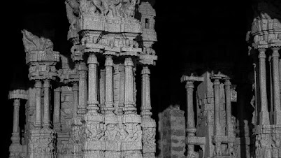 गाणारे स्तंभ (विठ्ठल मंदिर, हंपी, विजयनगर, कर्नाटक)