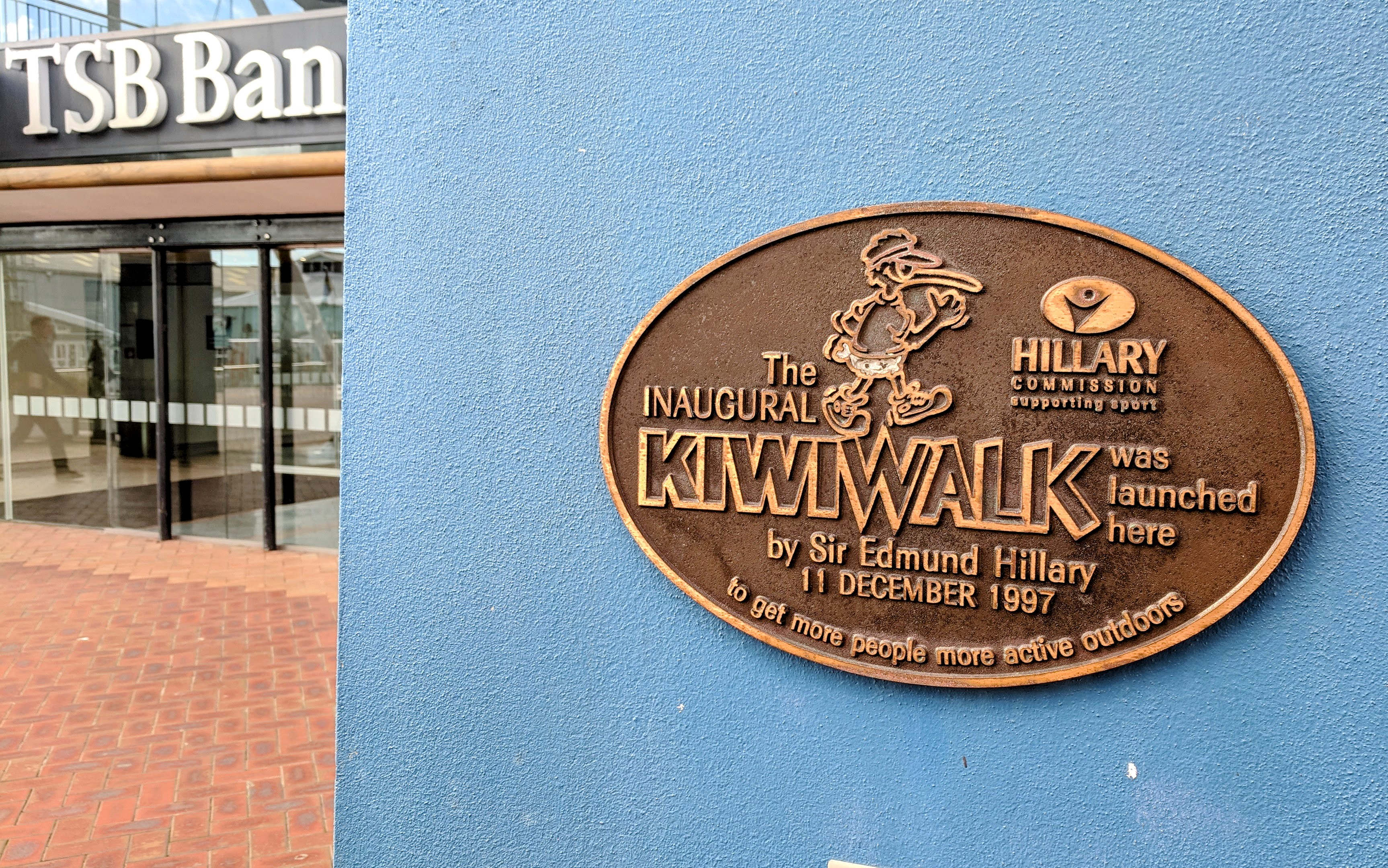 The INAUGURAL KIWIWALK was launched here by Sir Edmund Hillary 11 DECEMBER 1997 to get more people more active outdoors