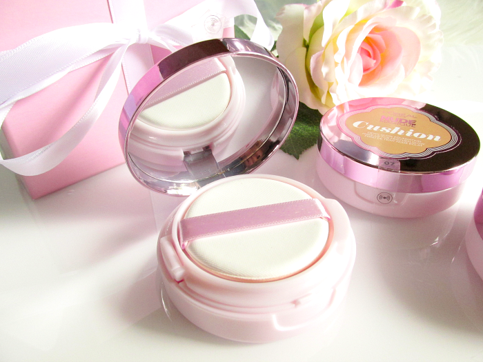 Review: L´Oréal - Nude Magique Cushion Foundation - Innenspiegel,Compact