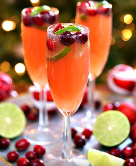 Christmas Mimosas #mimosas #drink #christmas #easy #recipes