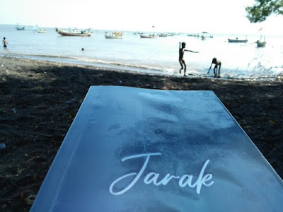 "Novel ""Jarak"" dan anak pantai."