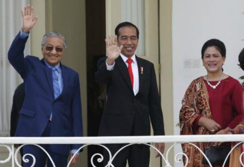 Mahathir Mohamad Hadiri Upacara Pelantikan Jokowi Dan Ma'ruf Amin