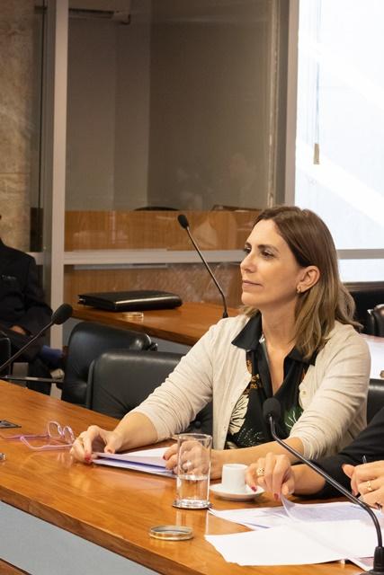 Rosana Valle pede ajuste no  plano de vacinação das pessoas com deficiência