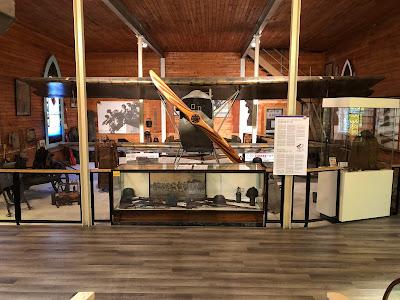 L'Annexe Martin du Musée de Brome avec l'avion Fokker D.VII