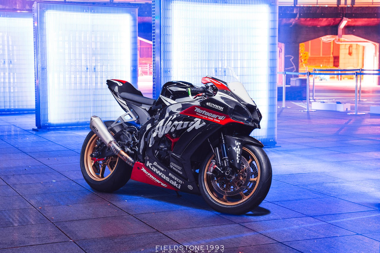 Kawasaki ZX10R 2016  et ZX10RR 2017 - Page 27 11.%2BZX10R