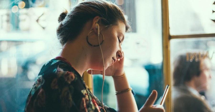 raul vittor alfaro encuentra audifonos ideales