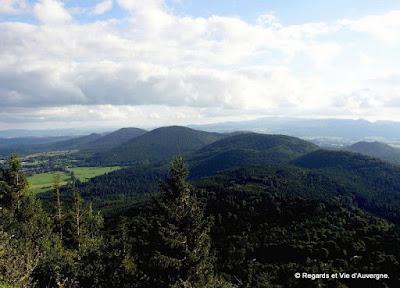 Volcans de la Chaîne des Puys, Auvergne, France.