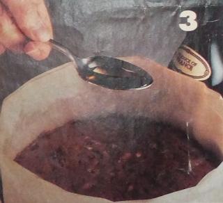 Dejando enfriar el bizcocho luego de hornearlo durante 30 minutos
