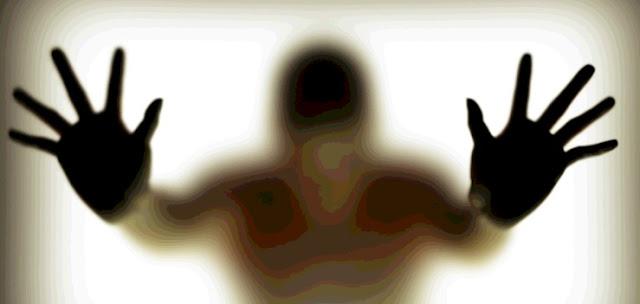 """في الإمارات .. طلب منها خلع ملابسها وإغرائه جنسياً وهي عارية عبر """"سناب شات""""!"""