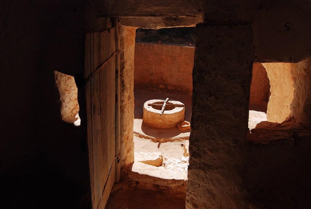 détail d'une cour d'habitation, véritable puits de lumière
