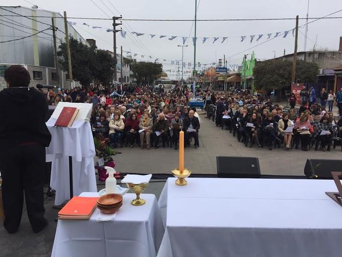 En Merlo, la Parroquia Nuestra Señora de Itatí festejó sus 50 años