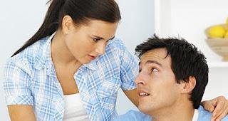 Terungkap! 7 Kelakuan Cowok Berikut Membuktikan Bahwa Dia Benar-Benar Jatuh Cinta Denganmu, Bukan Sekedar Suka