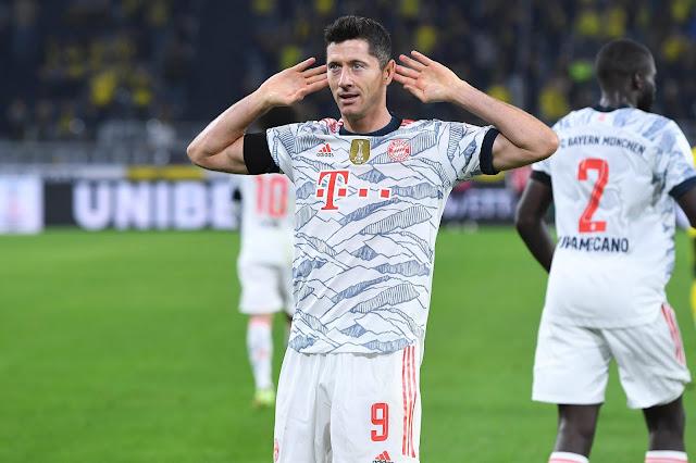 Bayern Munich forward Robert Lewandowski vs Dortmund