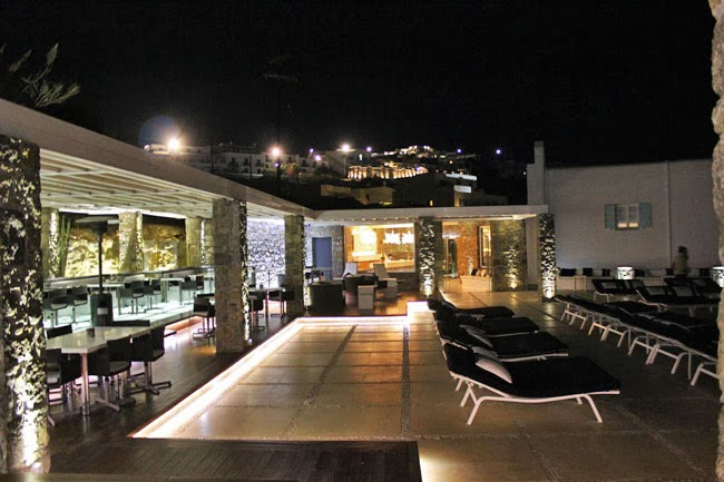 luxury hotel Bill & Coo Suites and Lounge
