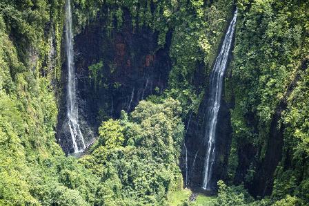 Na Polinésia Francesa você encontrará belas cachoeiras