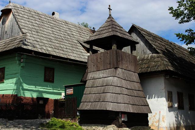 La torre campanario de Vlkolínec, en Eslovaquia