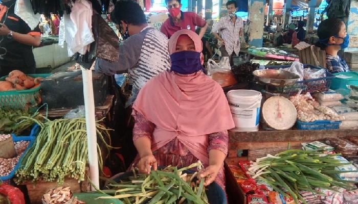 Stok Aman, Harga Pangan di Pasar Sentral Stabil