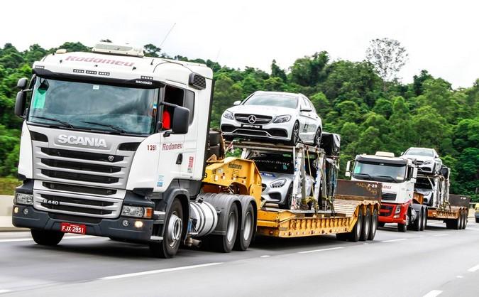 Transportadora Rodomeu abre vagas para motoristas