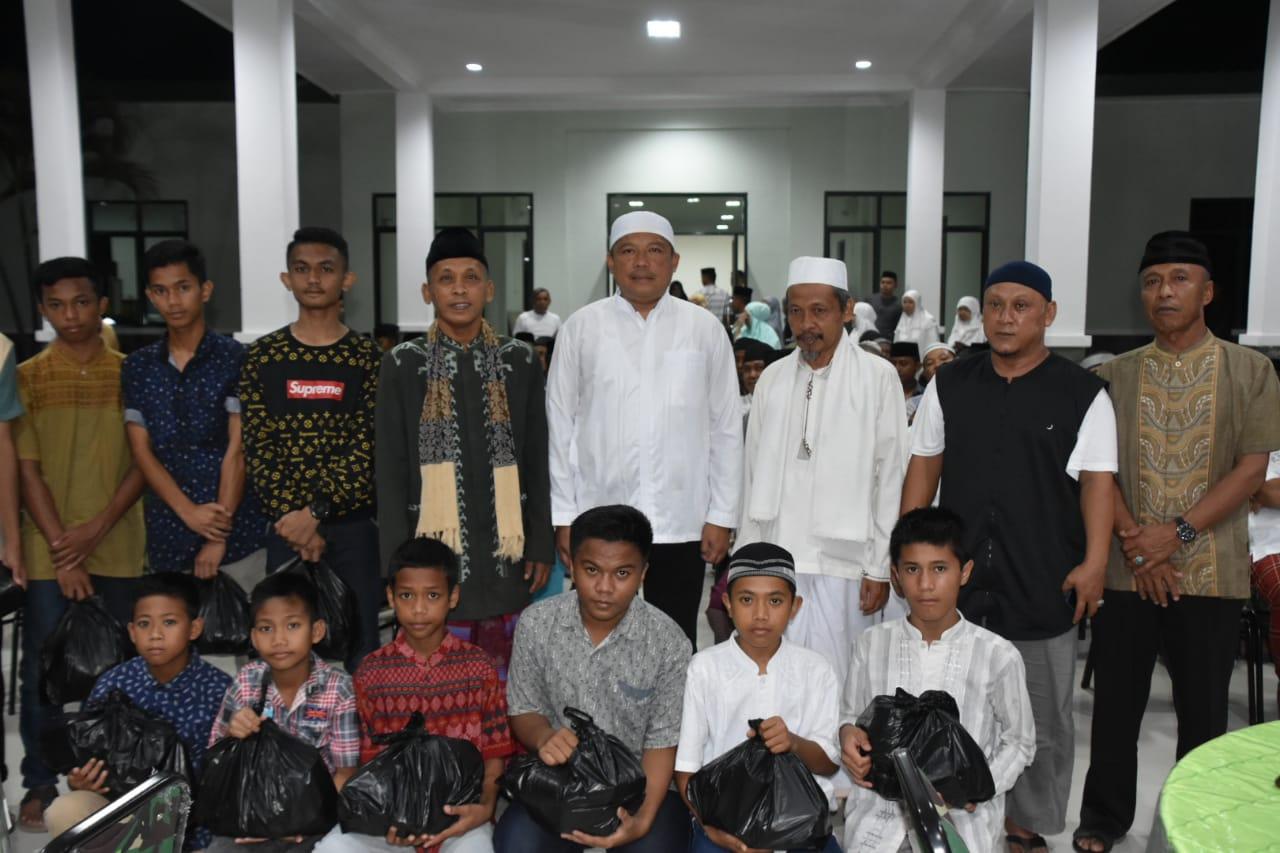 Tingkatkan Imtak Personel Korem 141/Tp, Balakrem, PNS dan Ibu Persit Shalat Berjamaah dan Yasinan Bersama
