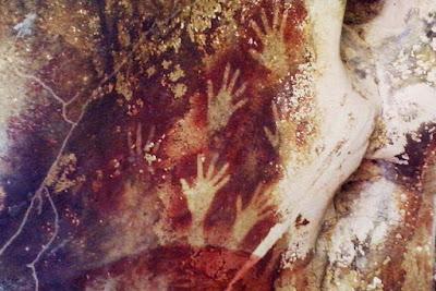 Berita Misteri - Lukisan Gua Berusia 40.000 tahun, Sulawesi