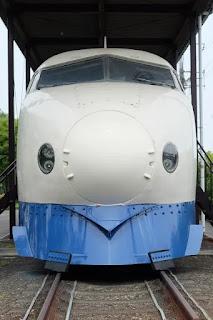 新幹線の正面