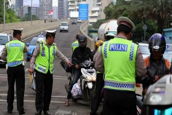 Sering Terjadi, jika Polisi Tak Bisa jawab 5 Pertanyaan ini Darimu, Jangan Mau Untuk Ditilang