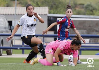 El Valencia CF penaliza con un empate la falta de acierto del Levante UD Femenino