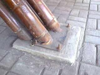 Contoh Detail Hubungan Antara Bambu Dengan Base Plate Sebagai Dudukan Pondasinya