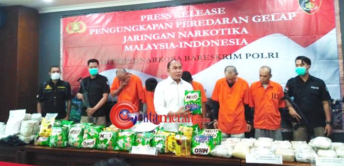 Ungkap Jaringan Narkoba Malaysia-Indonesia, Polisi Temukan Barang Bukti Dua Karung Goni Narkoba