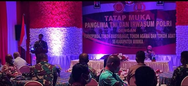 Panglima TNI Dan Irwasun Polri Melaksanakan Silahturahmi Dengan Tokoh Adat Dan Tokoh Agama Di Papua