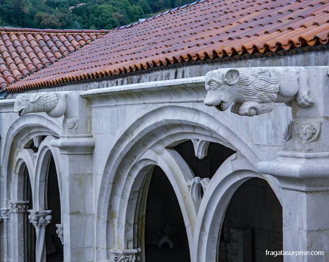 Detalhes da decoração do Claustro de D. Dinis, Mosteiro de Alcobaça