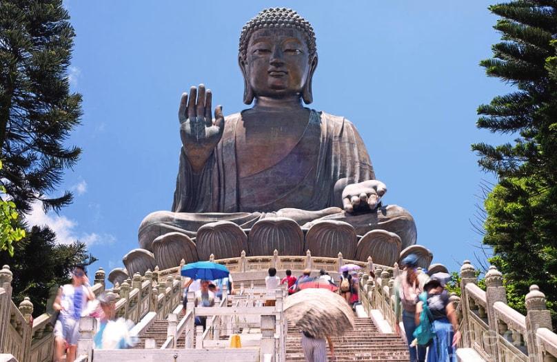 Melihat Kemegahan Patung Buddha Terbesar di Hongkong