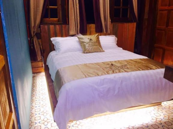 Kampong Pinang Sebatang Chalet bilik tidur