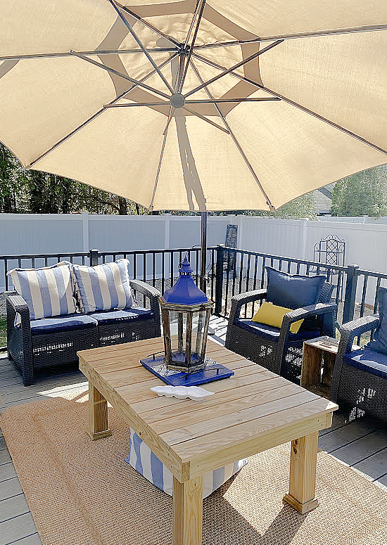 Outdoor space with blues