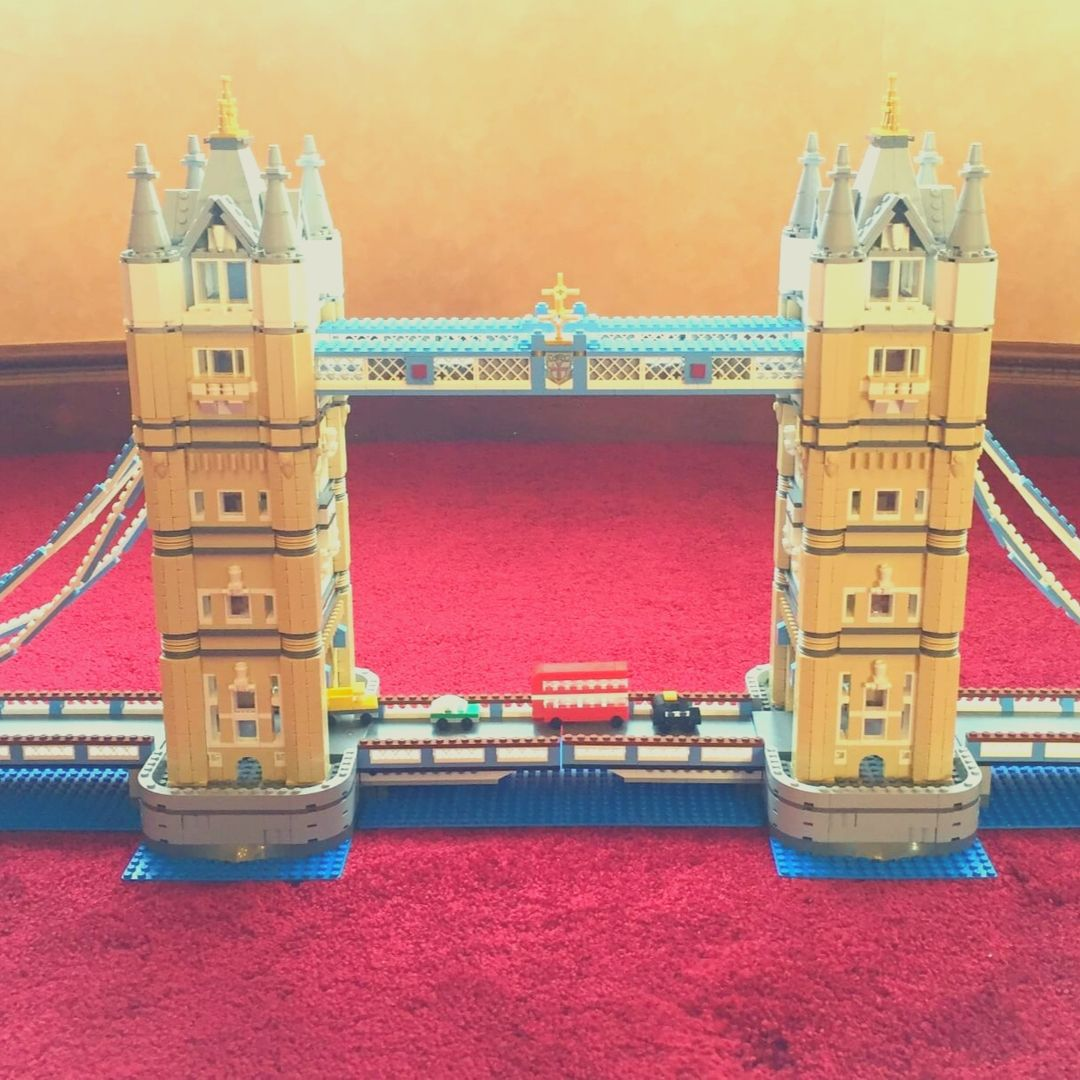 Building Lego Tower Bridge 10214 | A great set to get for Christmas!