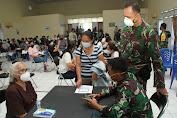 Serbuan vaksinasi di RS TNI AU Sam Ratulangi, Ramah dan Aman Bagi Opa-Oma