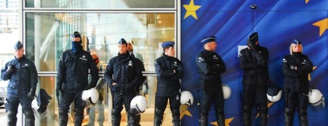 Η Europol στέλνει 200 αξιωματικούς στα ελληνικά νησιά για να καταπολεμήσει τον ISIS