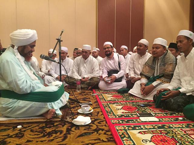 Pesan Habib Umar bin Hafidh Kepada yang Berdemo dan Tidak Berdemo..