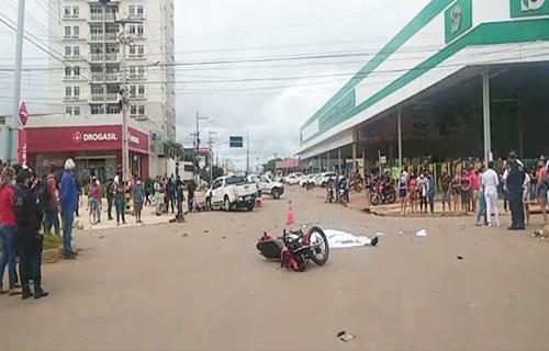URGENTE: Motociclista morre e outros ficam feridos em gravíssimo acidente na capital